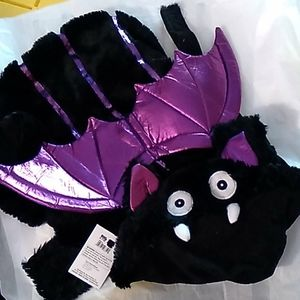 BNWT bat costume for dogs- size L